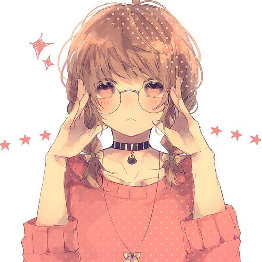 Ảnh 9: Hình ảnh người con gái suy tư cùng cặp mắt kính giúp cho khuôn mặt thêm hài hòa, cân đối