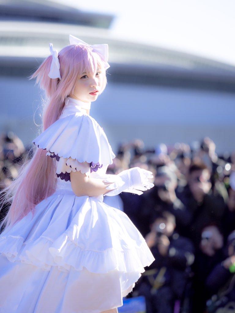 DvqDwFSVsAARRVp Sức hút siêu khủng khiếp của Enako Coser nổi tiếng nhất Nhật Bản hiện nay